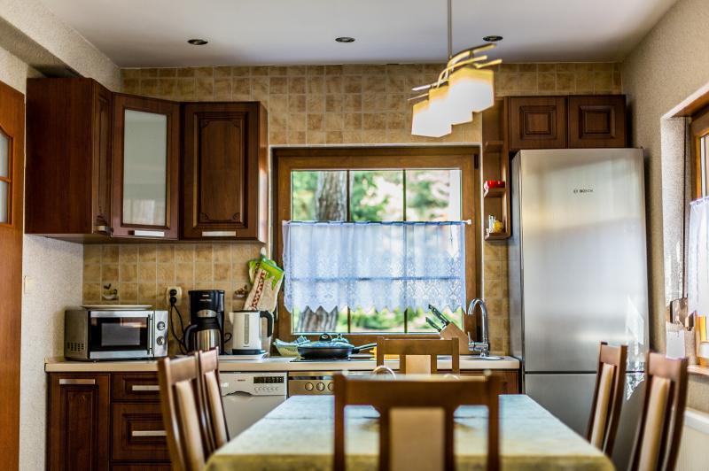 ferienhaus holzhaus mit 95 m f r max 8 personen. Black Bedroom Furniture Sets. Home Design Ideas