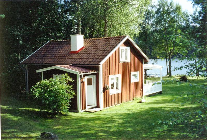 ferienhaus direkt am 26 ha gro en angel und badesee m desj sj n s dschweden nybro. Black Bedroom Furniture Sets. Home Design Ideas