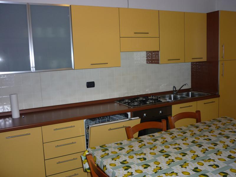 weitere bilder ferienwohnung manerba del garda. Black Bedroom Furniture Sets. Home Design Ideas