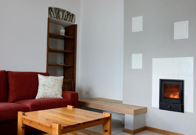 Ferienhaus natursteinhaus mit 80 m f r max 4 personen for Wohnzimmer 80 qm