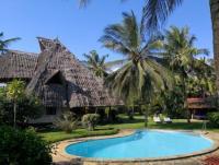 Diani Beach, Kenia: Ferienhaus Villa KUSINI an der Südküste Kenias mit großem eigenem Pool mieten