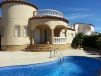Das Ferienhaus 'Juan ' in der Siedlung Les Tres Cales bietet Platz für 4 - 6 Personen