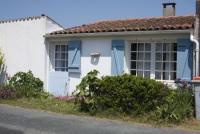 Ferienhaus, ruhig gelegen, geschlossenen Garten, 3 Zimmer, Strand und einkaufsmöglichkeiten, 1km