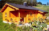 Gemütliche winterfeste Blockhütte in Ludwigsstadt im Naturpark Frankenwald, Bayern
