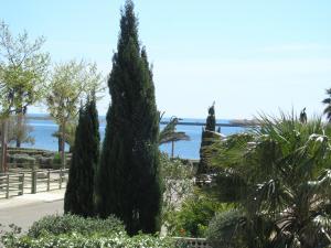 Blick vom Balkon auf Lagune und Meer