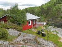 Ferienhaus in ruhiger Lage in Südnorwegen, Lyngdal, Øvsteland für 2 mal 4 Personen.