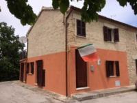 Ferienhaus in den Marken in dem urtypisch italienischen Dorf Rupoli, von Privat zu vermieten
