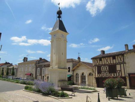 Häuser Bergerac - helle Wohn- und Essbereiche