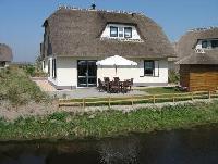 Gepflegtes Reetdachhaus in Julianadorp aan Zee, direkt hinter den Dünen, ausgezeichnet mit 5 Sternen