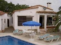 Ferienhaus mit Pool an der Costa Brava in Ampuriabrava von Privat zu vermieten.