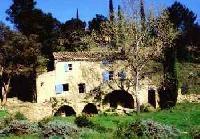 Ferienhaus im Languedoc-Roussillon zu vermieten nahe Goudargues, dem 'Kleinen Venedig des Gard'.