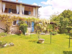 Garten und idyllische Terrasse Ihrer Ferienwohnung