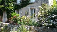 4 Maisonette-Ferienwohnungen in restauriertem Natursteinhaus in einem idyllischen Dordogne Dörfchen