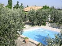 Ferienhaus Mas des Oliviers 2 für 4 Personen - umgeben von uralten Ovivenbäumen.