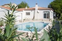 Das Casa Gabriela an ruhiger Lage mit grossem Schwimmbad  bietet Platz f�r 6 - 8 Personen!