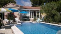 Ferienhaus El Talisman mit WLAN, Wintergarten, Aussenterrasse, Schattenplätze unter Pinien
