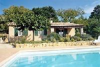 Ferienhaus mit Swimming Pool und Garten in Entrecasteaux in der Grünen Provence zu vermieten.