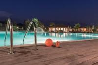 Ferienwohnungen mit tollem Swimming Pool und schönem Seeblick auf den Gardasee