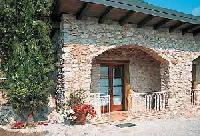 2-Zimmer-Wohnung für 2 Pers., EG, 30 m². Wohnküche mit Eßplatz. Doppelzimmer. Überdachter Portico.