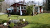 Komfortables Ferienhaus am See Gårdsjö (ca.50 m) in Holmen, Bohuslän, für 4 Personen.