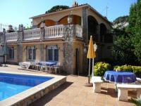 Ferienwohnung für 2 Personen in Pals an der Costa Brava, Pool 8 x 4 m, Außenanlage mit Steingrill