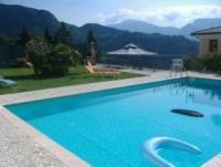 Ferienwohnung ruhig gelegen mit Liegewiese und Pool in Voiandes oberhalb Limone, Gardasee