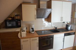 Fewo 2 :Küche mit GS,Herd, Backofen,Kühlschrank