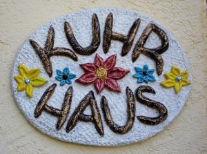 Kuhrhaus - Carbernet+Merlot - begrüßen ihre Gäste