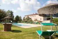 Toskana am Meer: Ferienwohnung für max. 6 Personen mit 2 Schlafzimmern und Pool zu vermieten