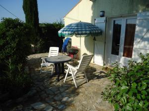 Terrasse von Mazet 3 Pers.