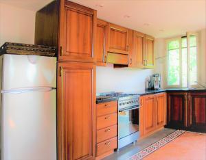 Rosecolour marble, terrazzo, kitchen and mezzanino