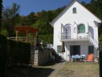 Ferienhaus mit phantastischem Seeblick am Nordufer des Plattensees in Balatongyörök  für 6 Personen.