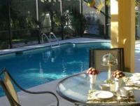 Sehr schönes und perfekt eingerichtetes Ferienhaus  mit Pool und wirklich tropischer Gartenanlage! !