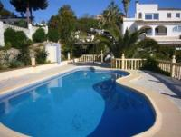 Außergewöhnliche Ferienanlage mit Pool - Ferienhaus in Moraira an der Costa Blanca zu vermieten.