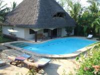Ferienvilla 'Wasili' in Diani mit  großem Pool und allem drum und dran. Ruhig, nicht einsam gelegen.