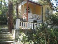 Die liebevoll eingerichtete Villa mit schöner Terasse bietet Platz für 4-5 Personen
