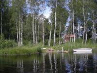 Zu vermieten: Ferienhaus in Dalarna, Mittelschweden, in Wassernähe mit Ruderboot und eigener Brücke!