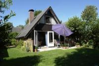 Gemütliches,  ruhig gelegenes Ferienhaus mit Terrasse und Garten, Kinderspielplätze in der Anlage