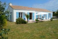 Das Ferienhaus am Atlantik mit gepflegtem Garten und einer großen Terrasse bietet viel Platz