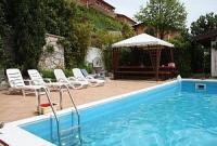 Casa Elke: Ferienhaus und 2 Apartments 7 km vom Gardasee, eigenes Schwimmbad. Hunde willkommen !