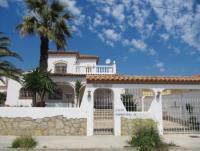 Die Villa Anita liegt nur ca. 350m vom Strand entfernt und bietet Platz für max. 8 Personen.