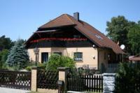 Ferienwohnung mit 85 m² Wohnfläche und Balkon für 4 Erwachsene und 2 Kinder in Mahlow bei Berlin.
