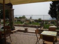 Die Wohnungen sind für 2 bis 6 Personen und ganz neu renoviert  im historischen Ortskern von Tignale