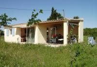 Ferienhäuschen für 2 Personen im Grünen am Ortsrand von Vauvert in der Kleinen Camargue zu vermieten