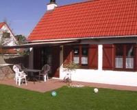 Freistehendes Fischerhaus für max. 6 Personen mit 85 m² Wohnfläche, umzäuntem Garten und Spielwiese.