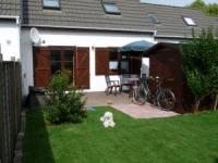 Gemütliches Polderhaus für 4-5 Personen mit 55 m² Wohnfläche, umzäuntem Garten und Spielwiese.