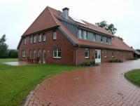 Wohnung 200 qm, 2 Schlafzimmer, Terrasse und gro�er Garten
