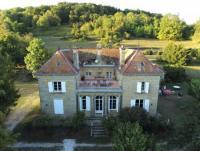 Vermietung eines ganzen Schlosses zwischen Vogesen und Burgund, La Mothe mit Park, Tennis, Billard
