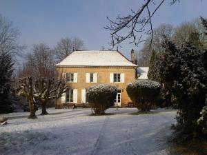 Winter in La Mothe, Sicht auf Schloss, West