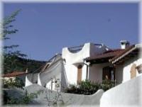 Die komfortablen Ferienhäuser Sa Fiorida bieten 6 Betten, Meerblick, Sat-TV und Waschmaschine